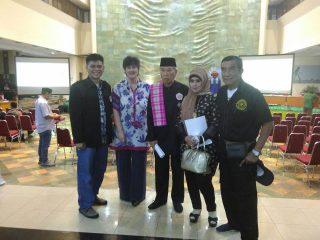 Foto bersama tamu-tamu VIP