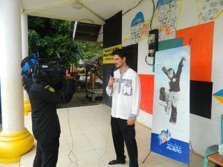 Gabriel Sedang Diwawancarai Media Lokal Banten