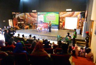 Perwakilan Oong Maryono Pencak Silat Award Memaparkan Tentang Program Award