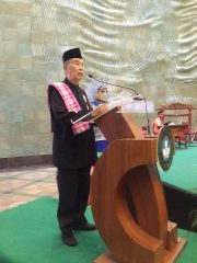 Bapak Jendral Eddie M Nalapraya giving the opening remark