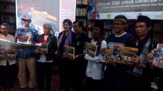 Lia and Pencak Silat experts