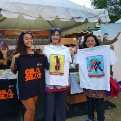 Selling the t-shirts in the Pencak Silat Malioboro 2017